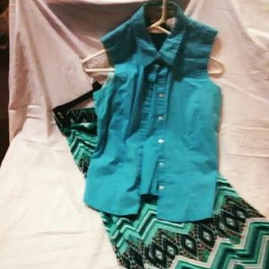 Teal multi colored skirt and teal shirt